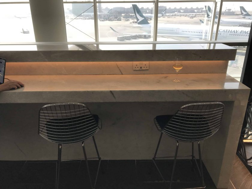 AmEx Lounge HKG Review Working Space