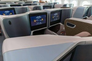 Singapore Airlines Boeing 787 10 Business Class Middle