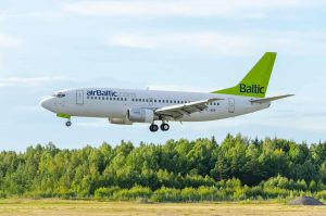 airBaltic Boeing 737