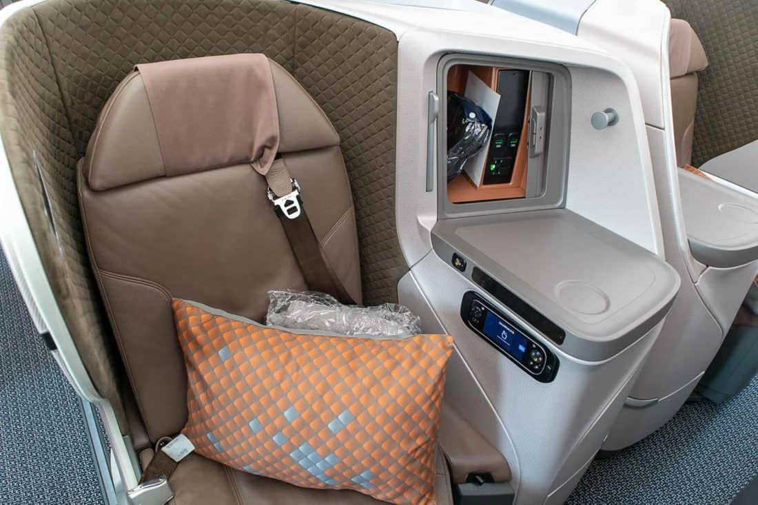 Singapore Airlines Boeing 787 10 Business Class Seat